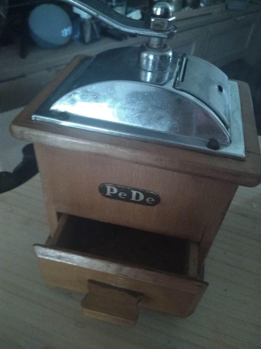 Sehr alte Handmühle einer Freundin von mir
